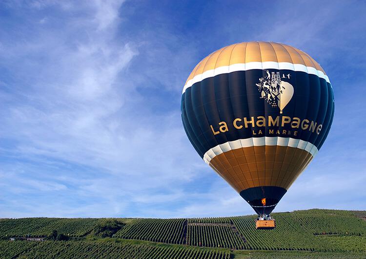 Flyga luftballong är en aktivitet som går att göra i Champagne-distriktet