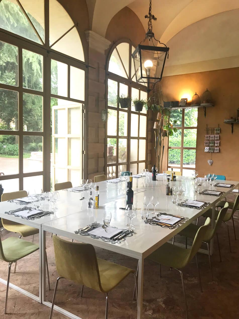 Uppdukat för lunch på slott i Italien