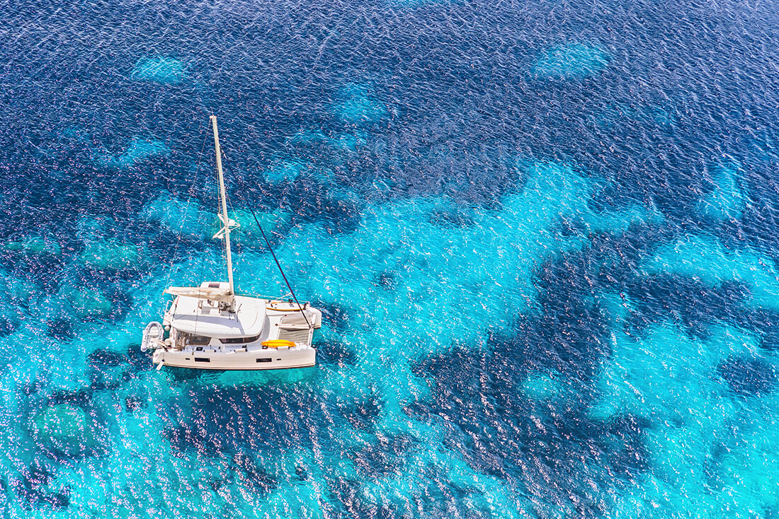 Aktivtet med båt för företagsgrupper i Grekland